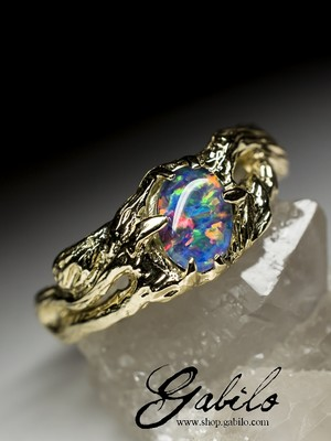 Made to order: Goldener Ring mit Opal Triplet