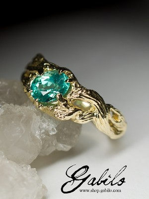 Gold ring with tourmaline Paraiba