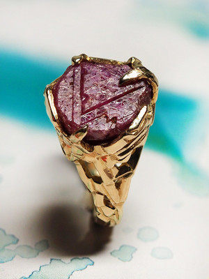 Ruby crystal gold ring