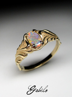 Black opal gold ring with Gem Report MSU
