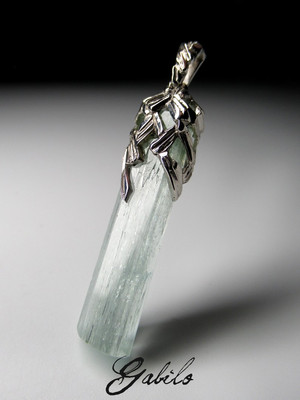 Men's aquamarine crystal silver pendant