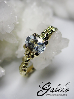 Gold Ring mit Aquamarin