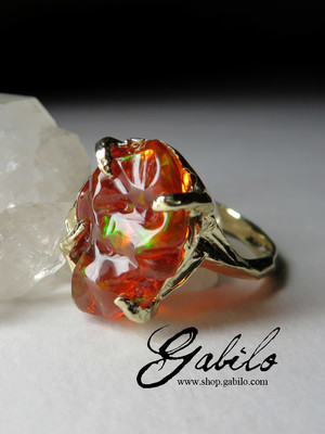 Mexican fire opal gold ring