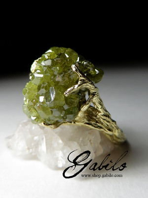 Made to order: Goldring mit Demantoid