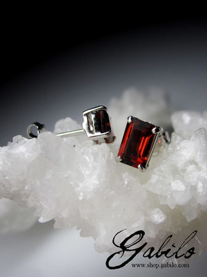 Almandine Garnet Gold Stud Earrings