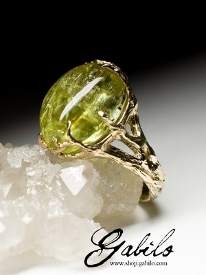 Made to order: Goldring mit Heliodor