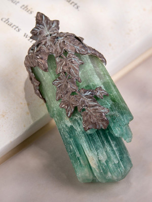 Tourmaline crystal pendat Ivy in patinated silver