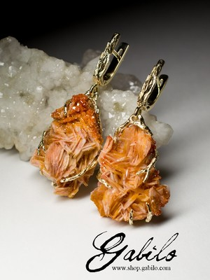Vanadinite gold earrings